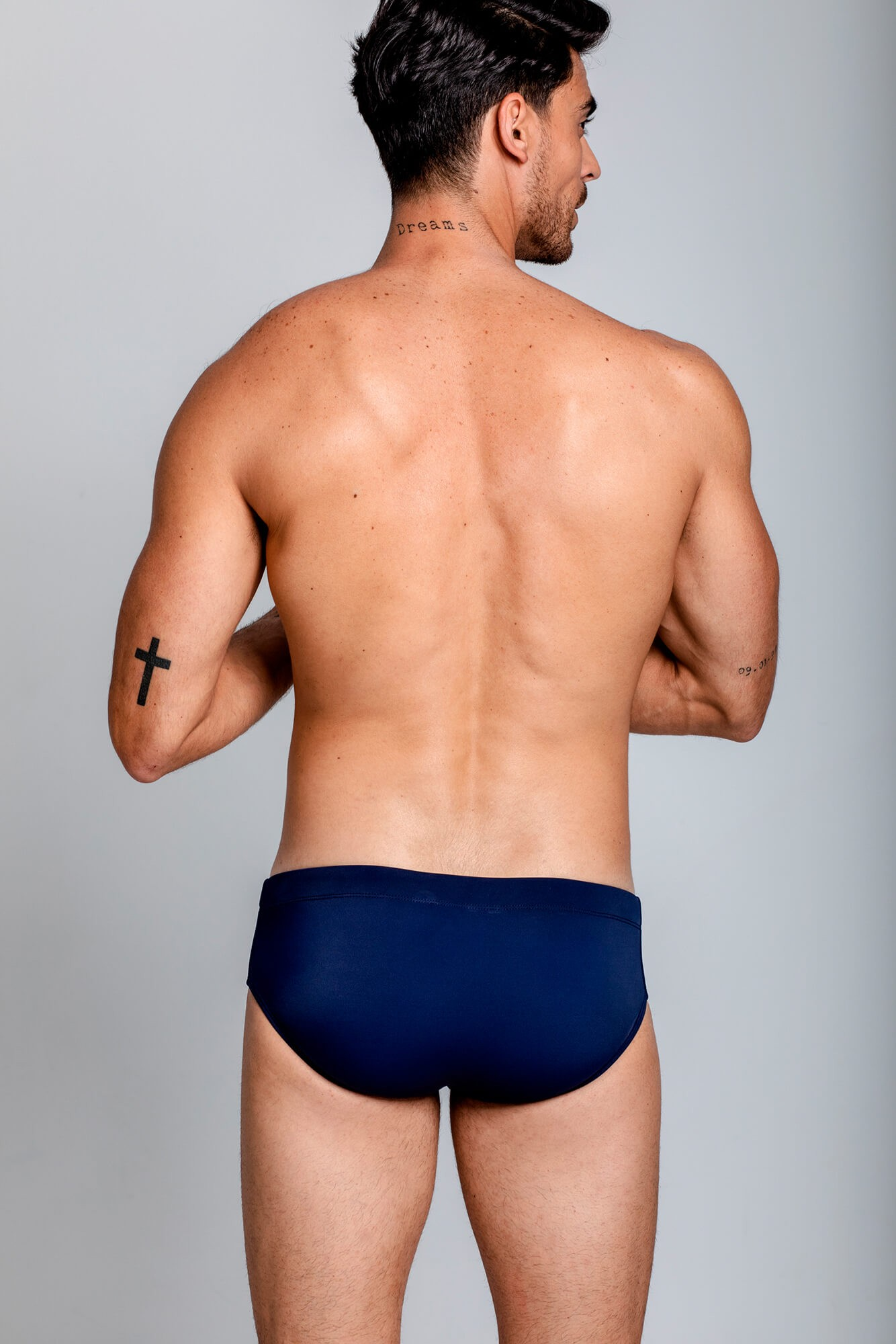 Bañador para hombre Classic Fitness Swim Brief, modelaje y fitness. Estilo urbano marca ELIU streetwear.