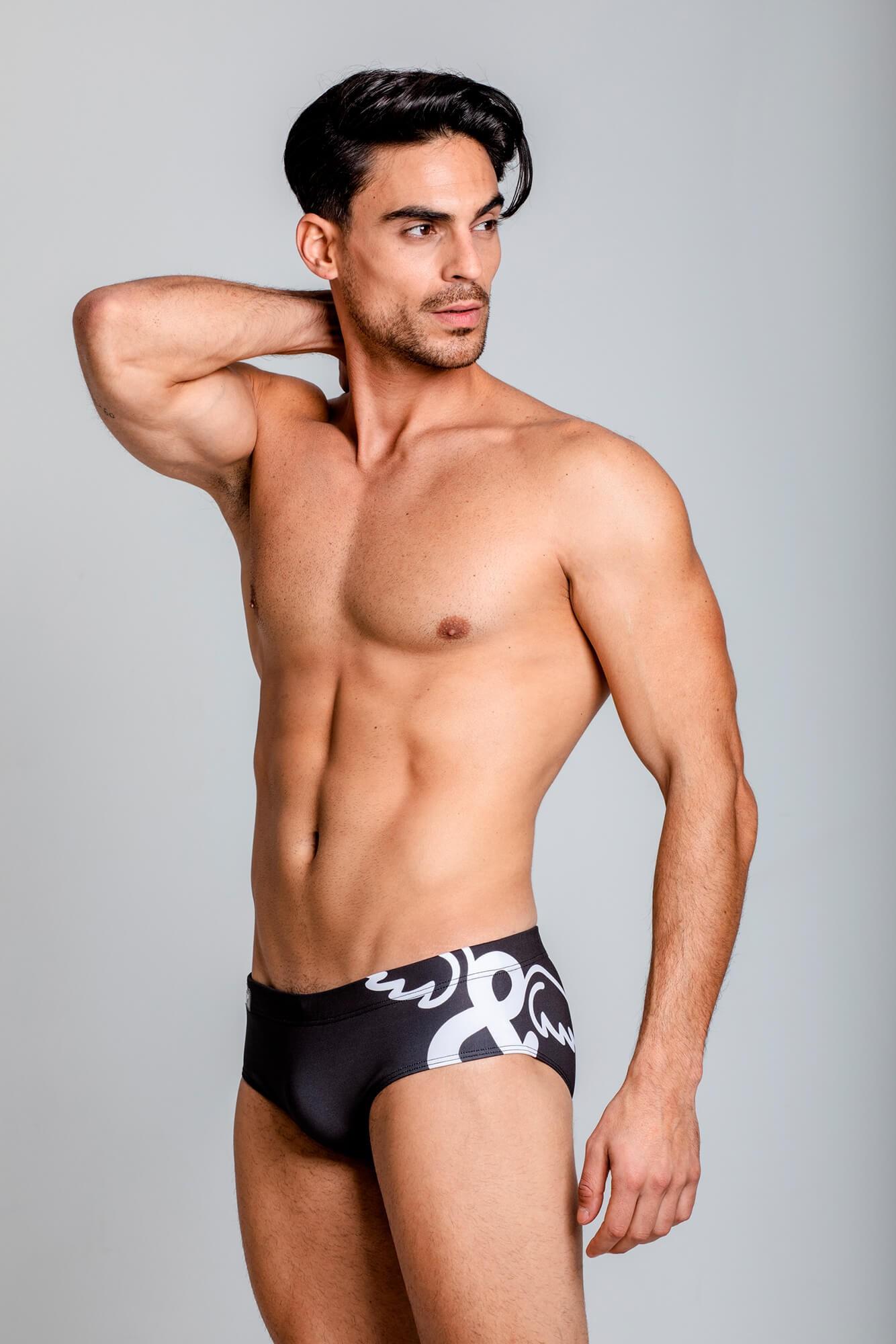 Bañador Titan Swim Brief para modelaje o fitness. Estilo urbano marca ELIU streetwear.