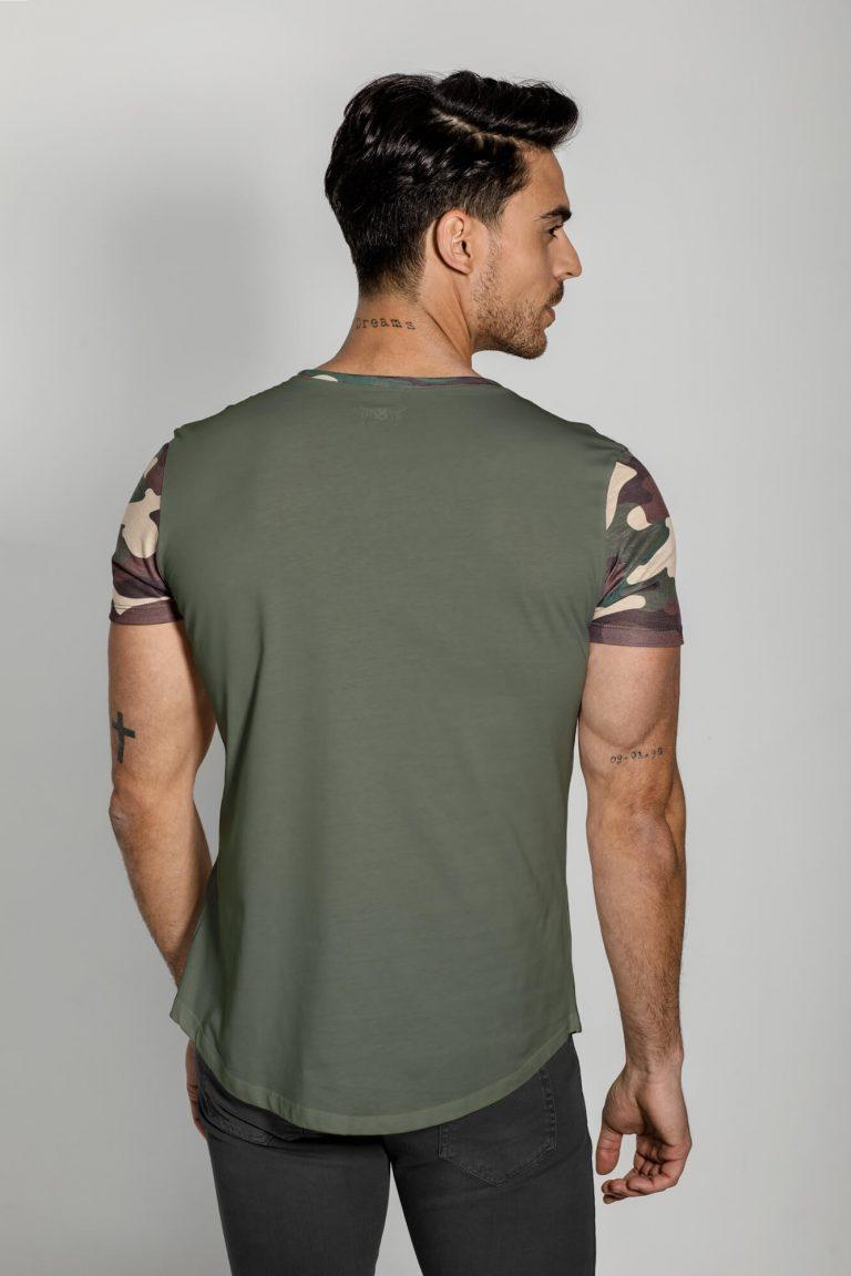 Camiseta estampado camo, cuello redondeado. Estilo urbano ELIU clothing streetwear.