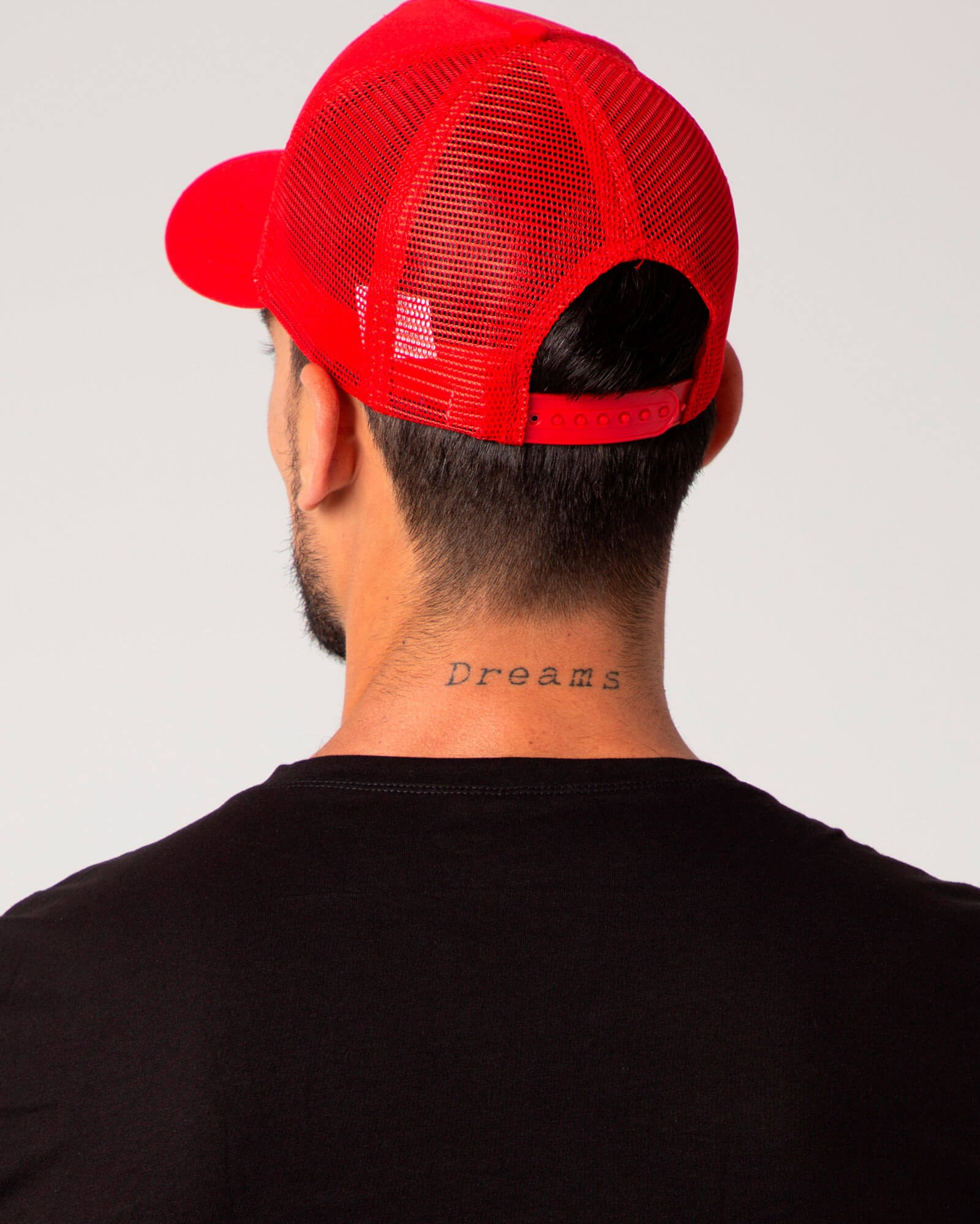 Gorra con rejilla de la marca ELIU, moda casual y urbana. Gran selección de ropa y complementos para hombre.