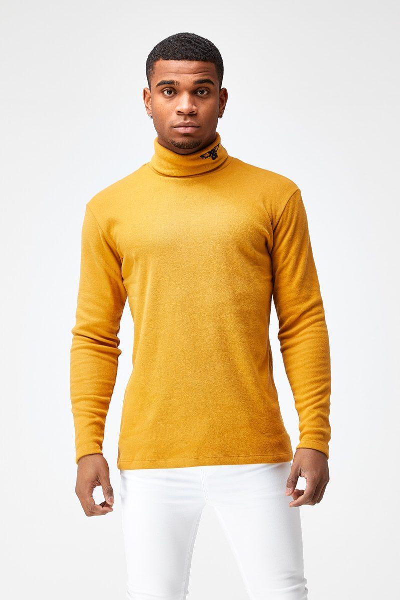 Camiseta larga cuello alto